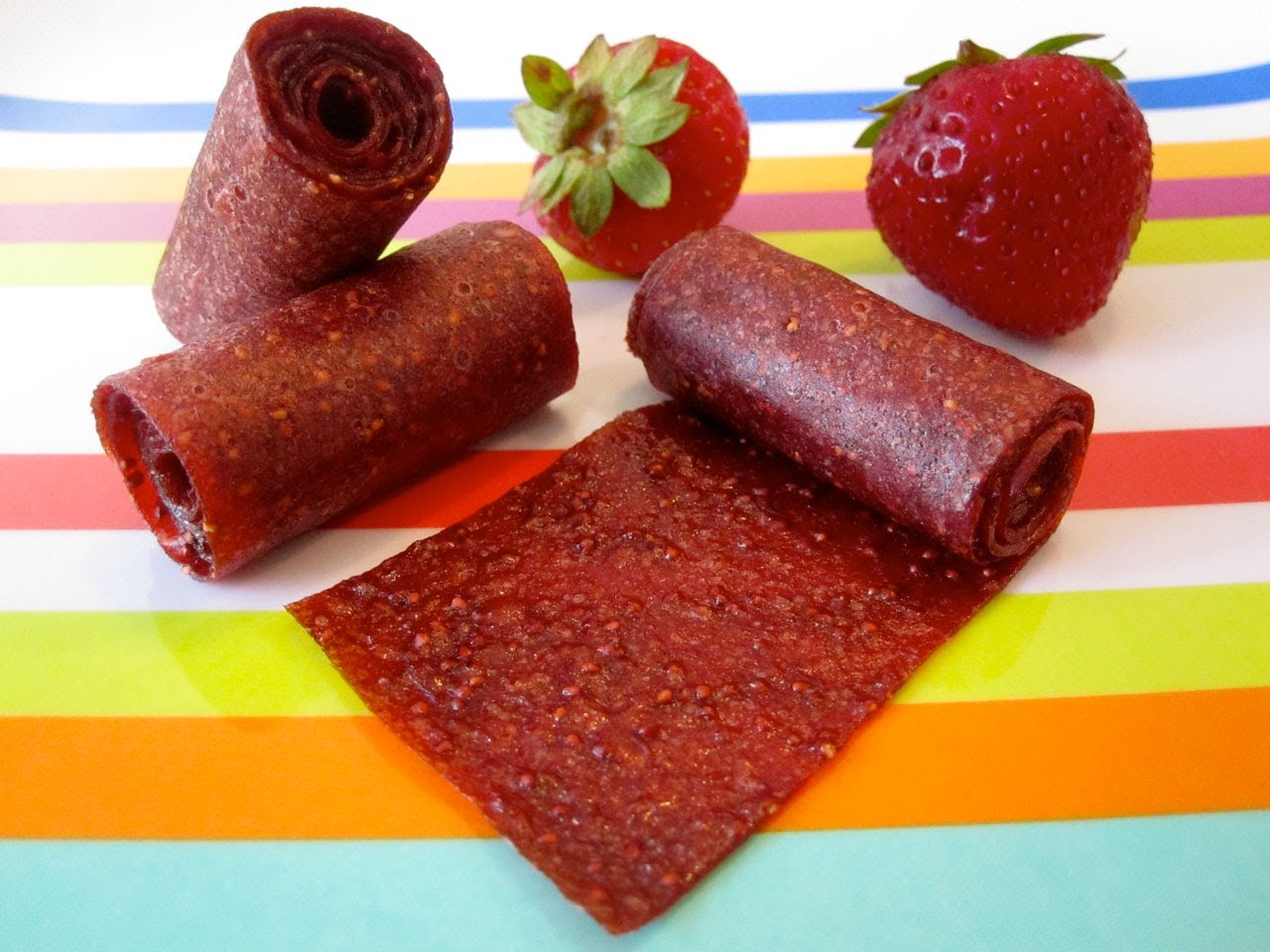 How to Make Homemade Fruit Roll Ups for Kids – Healthy Snack Recipes – Weelicious