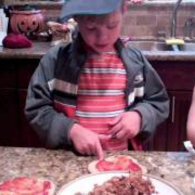 Healthy Recipes – How to Make Homemade Pizza – Fun Cooking for kids