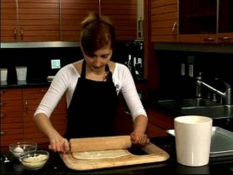 Dinner Party Appetizer Recipes : How to Roll Out a Puff Pastry Appetizer