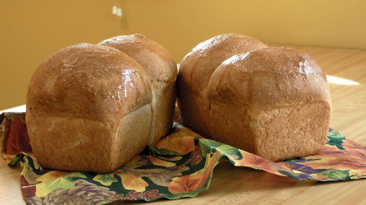How to Make Whole Wheat Bread from Scratch