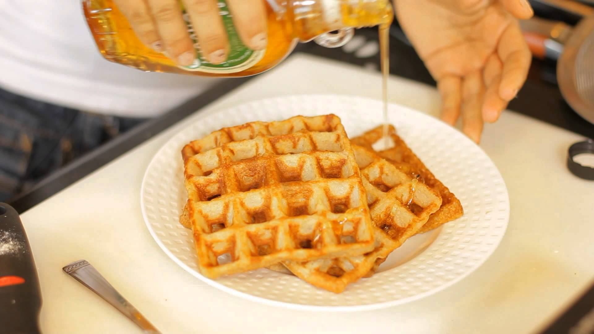 Low-Calorie Belgian Waffles Recipe : Good, Clean Dishes