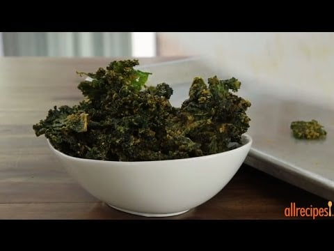 Snack Recipes – How to Make Cheesy Kale Chips