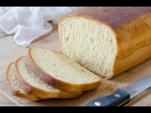 Easy Homemade Sandwich Bread Recipe {made from scratch}