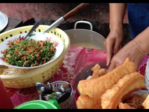 Fish porridge with sticky bread a great breakfast in Phnom Penh