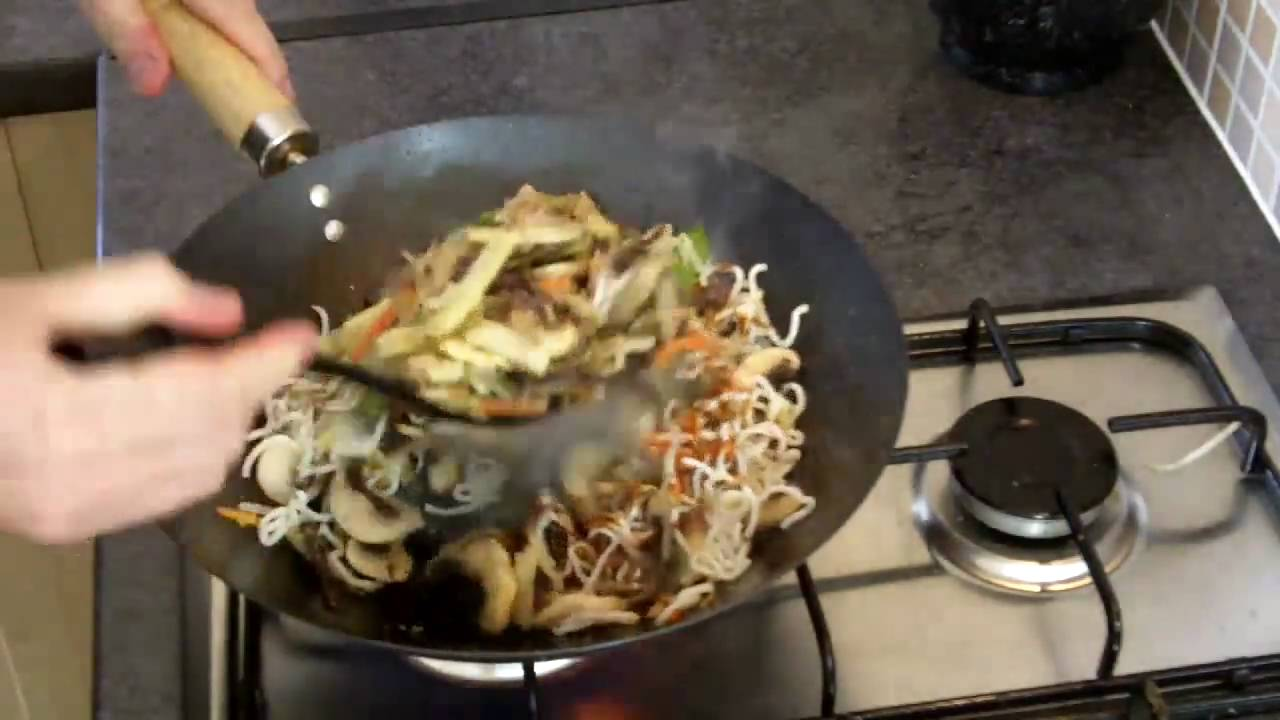 Quick Meals: Chow Mein Recipe – Spicy Chicken Noodles Recipe