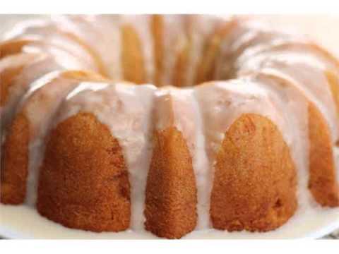 Pound cake classic southern dessert bake paula deen's mama's pound cake