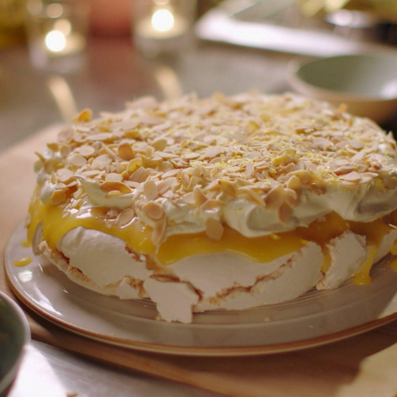 Lemon pavlova recipe – Simply Nigella: Episode 6 – BBC Two