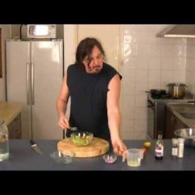Paleo Diet Recipe. How to make Guacamole