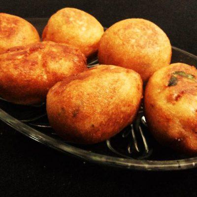 Potato Bread Rolls Recipe (ब्रेड रोल) (Indian Vegetarian Appetizers) by Kiran's Recipe