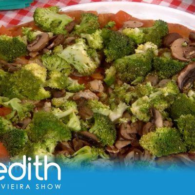 Rocco DiSpirito Teaches Meredith How To Make His Negative-Calorie Pizza!   The Meredith Vieira Show